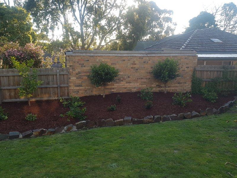Jays Gardening feature veggie garden bed Kim2