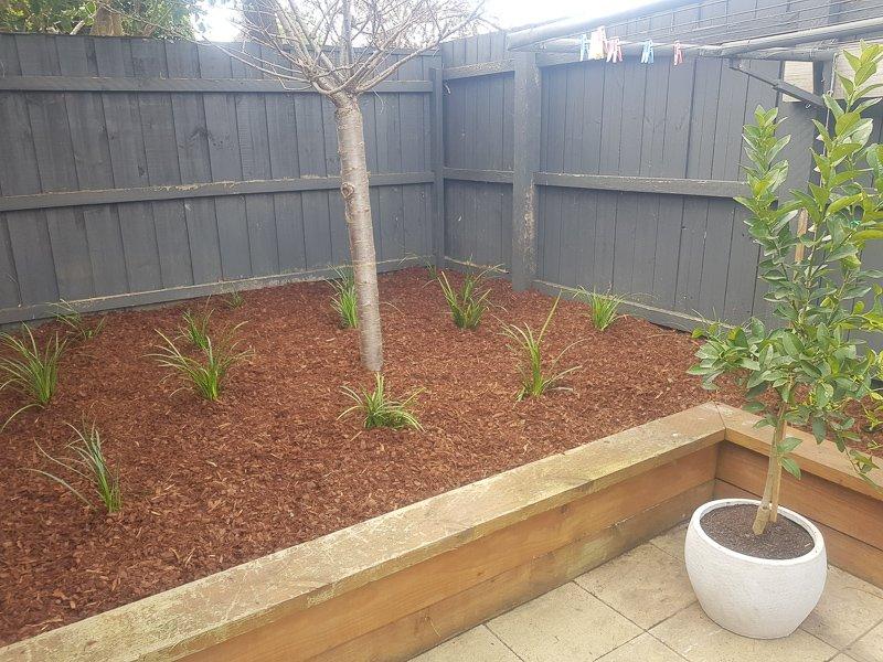 Jays Gardening feature veggie garden bed Kim3